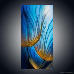 Peinture figurative de l'artiste Helena Monniello qui représente des fleurs comme illuminées